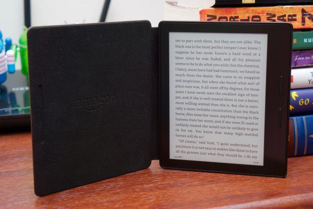 Amazon's beautiful, functional, impractical Kindle Oasis reviewed