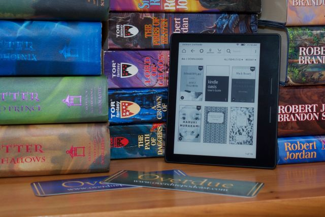Amazon's beautiful, functional, impractical Kindle Oasis