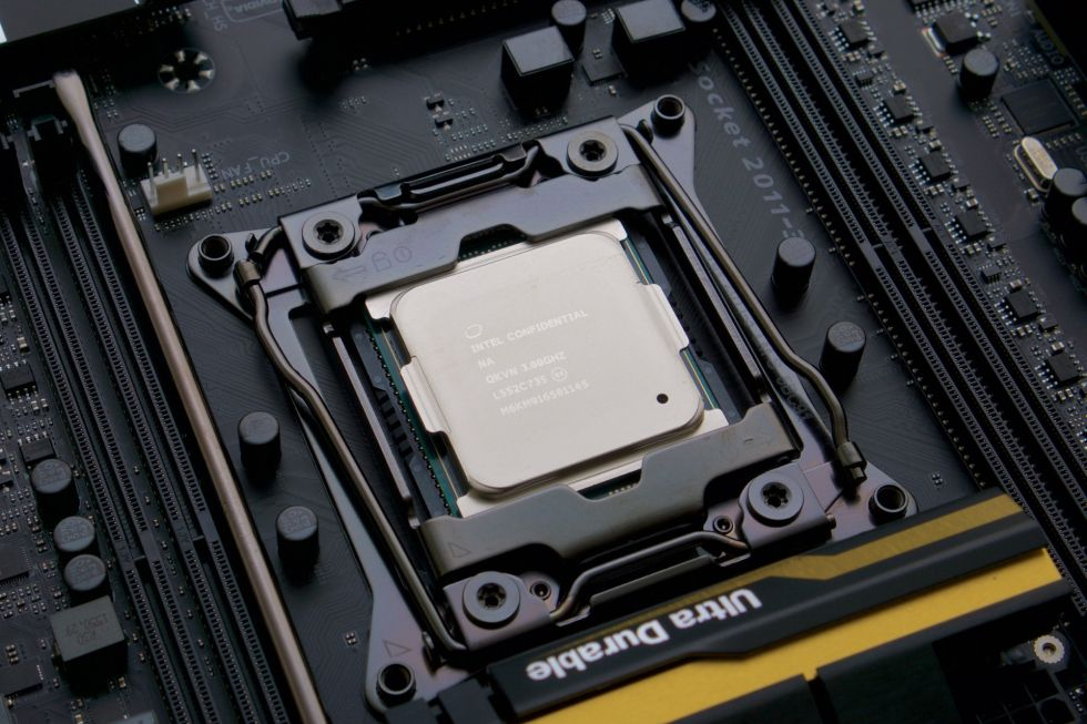 Intel's Core i7-6950X, its first 10-core consumer desktop CPU.