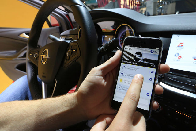 You might think connecting your car to your phone is the dumbest thing ever, but neither the tech nor auto industries are giving up on it any time soon.
