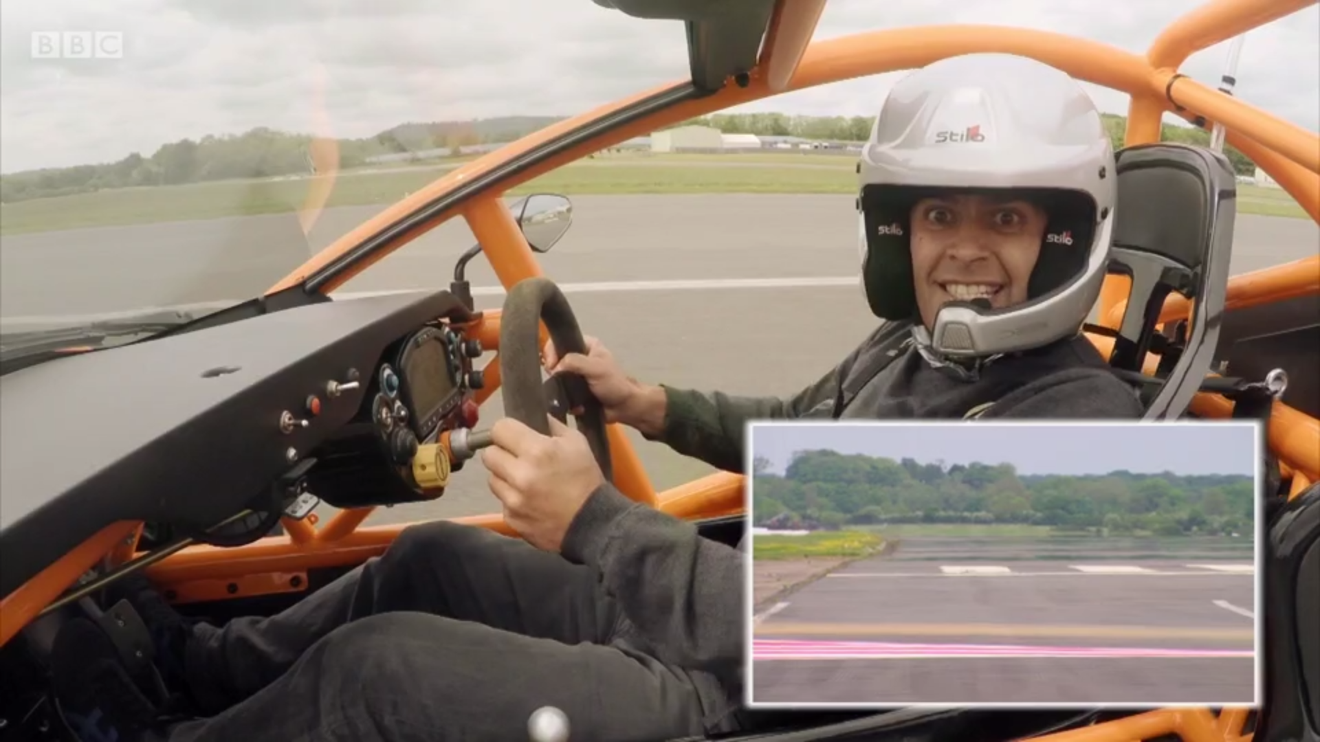 Chris Harris is full of joy as he spanks the Ariel Nomad around the track for <em>Extra Gear</em>.