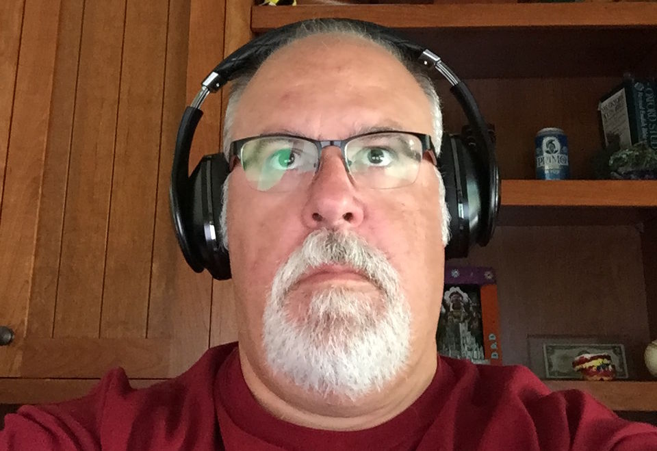Eric Bangeman is free of wires and noise, thanks to his Samsung cans of choice.