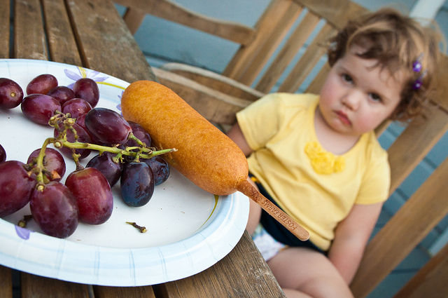 Got a picky eater? Toddlers form food preferences based on social cues