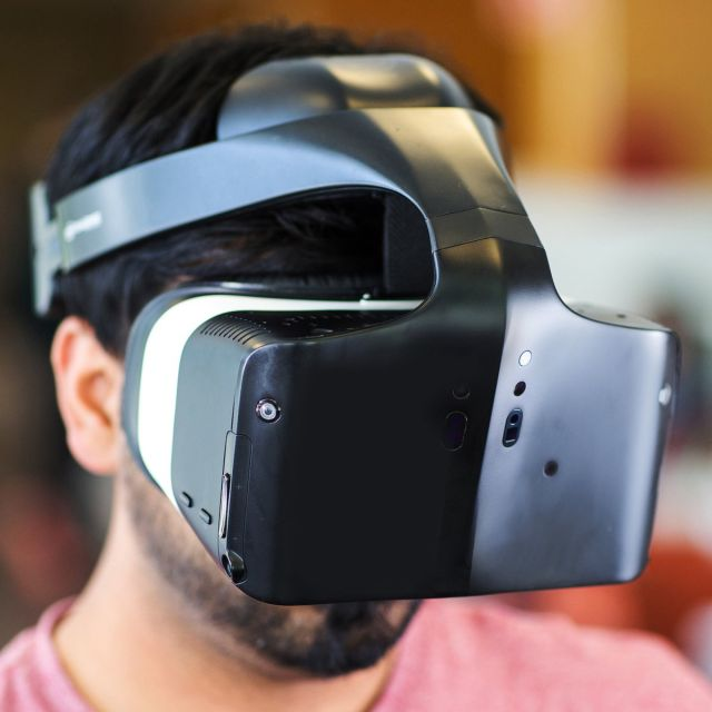 Intel's all-in-one Alloy VR headset doesn't require a PC or smartphone
