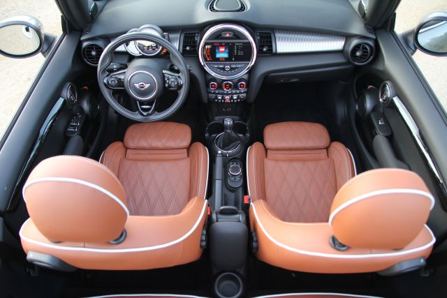 The 2016 Mini Cooper S Convertible gives great air but lacks a