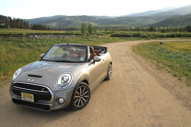 The 2016 Mini Cooper S Convertible gives great air but lacks a soundtrack
