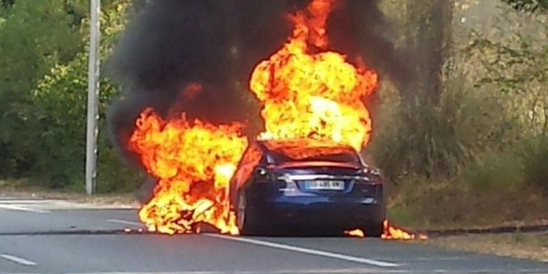 "Tesla Model S battery bursts into flames, car ""totally destroyed ..."