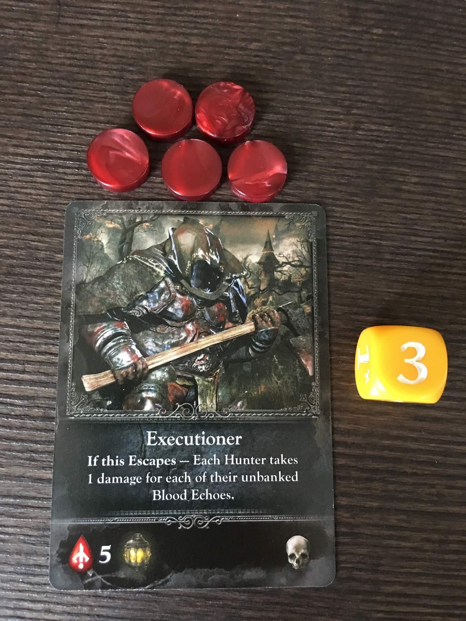 This guy has four blood echoes up for grabs, and he rolls a yellow die. Defeat him and you'll get a skull trophy.