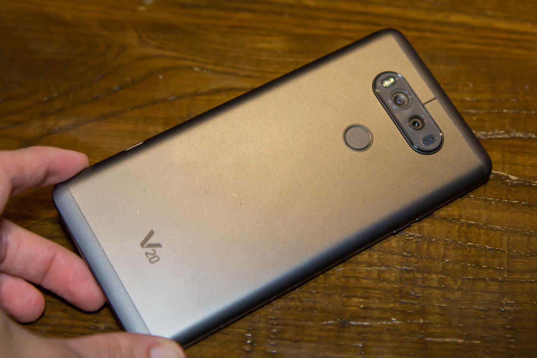 LG V20 Android phone ( 32 bit DAC)