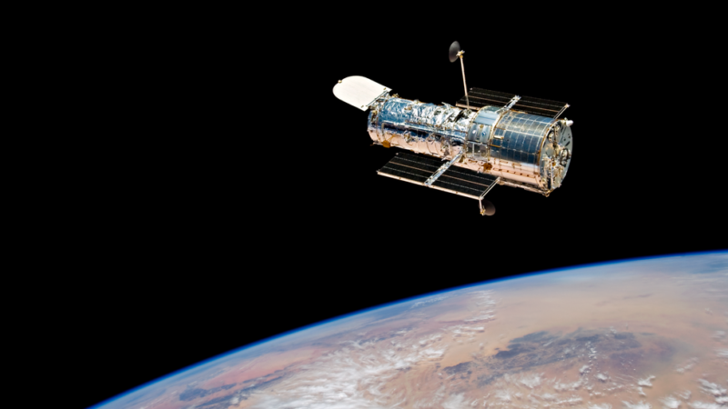 Backup Hubble gyroscope encounters anomaly during recovery efforts