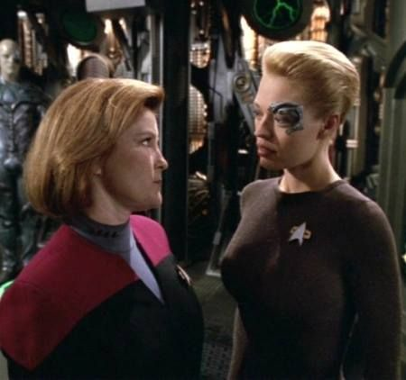 Actress Kate Mulgrew, who played Captain Janeway, was so annoyed with Jeri Ryan (Seven of Nine) that she tormented the actress on set every day.
