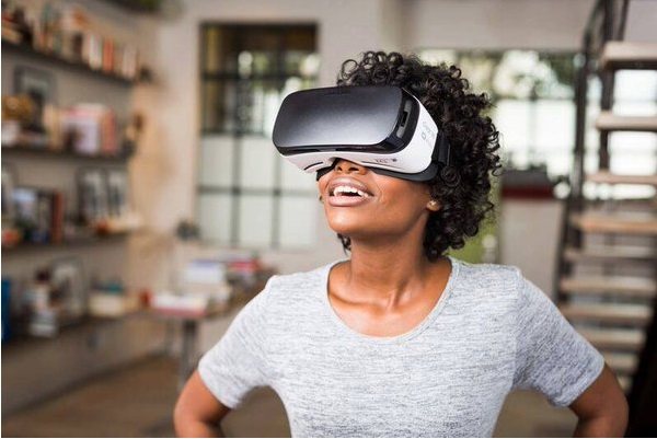 A promotional image used in the announcement of Oculus' Launch Pad funding initiative.