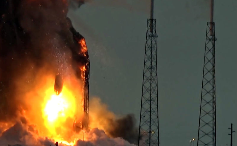 Screen grab of SpaceX static fire anomaly from YouTube video.