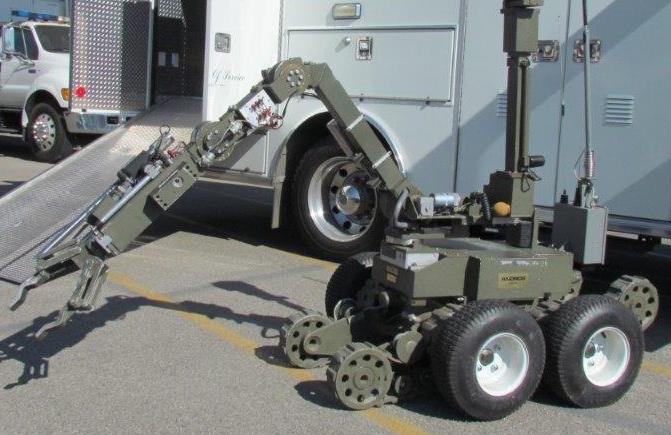 After standoff, LA cops' bomb disposal robot snatches man's shotgun