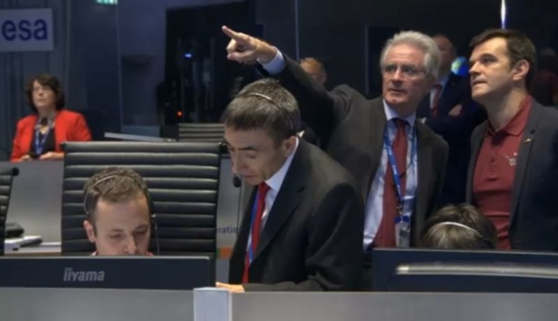 A view inside the ExoMars control room as mission managers await a signal from Schiaparelli.