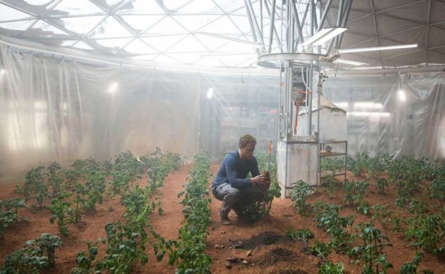 "Growing food and creating a livable environment are two engineering challenges on Mars that are just as important as making fuel. Real-world solutions will, sadly, probably differ a bit from <em><a href=""https://arstechnica.com/the-multiverse/2015/09/the-martian-brings-science-largely-unchanged-from-book-to-screen/"">The Martian</a></em>'s depiction."