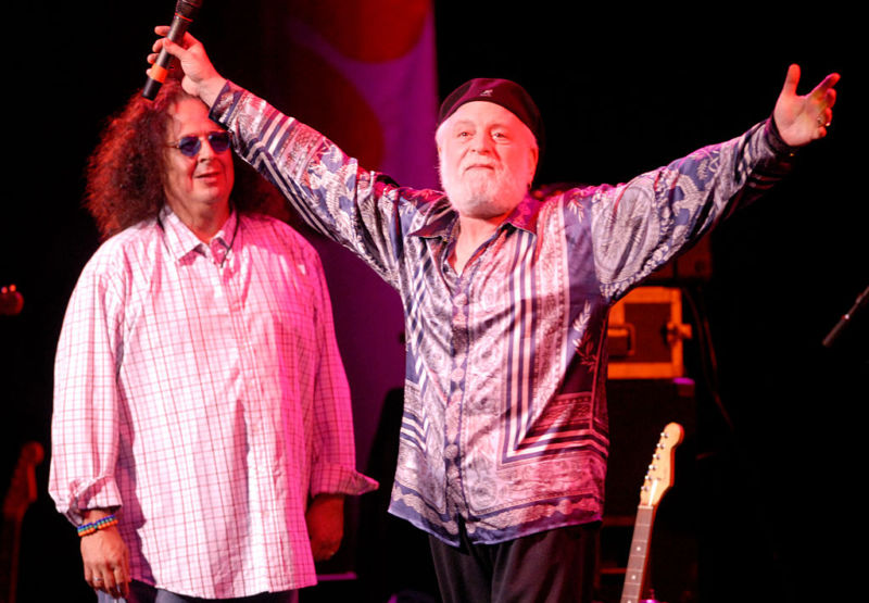 Mark Volman (Flo) and Howard Kaylan (Eddie) of The Turtles, pictured here at a 2007 performance. The two musicians are heading up a class-action copyright lawsuit against Sirius XM.