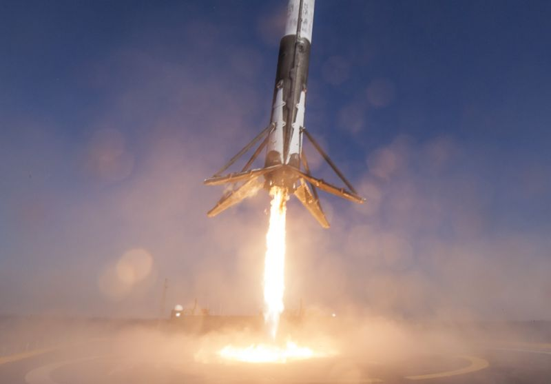 Here's how SpaceX can land on its feet in 2017.