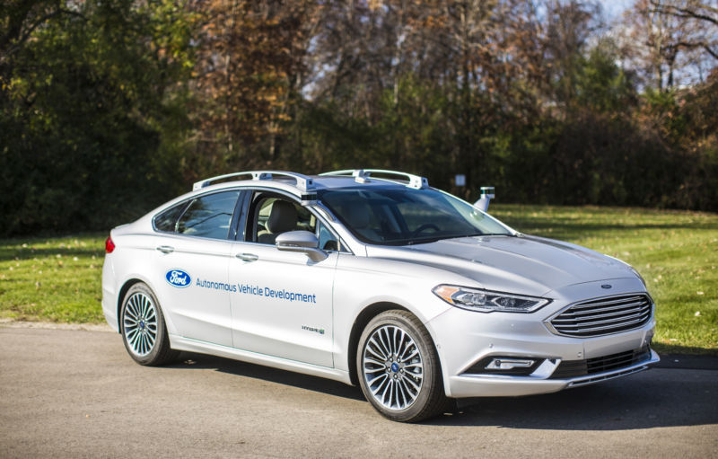 Ford to show next-gen Fusion Hybrid autonomous prototype at CES