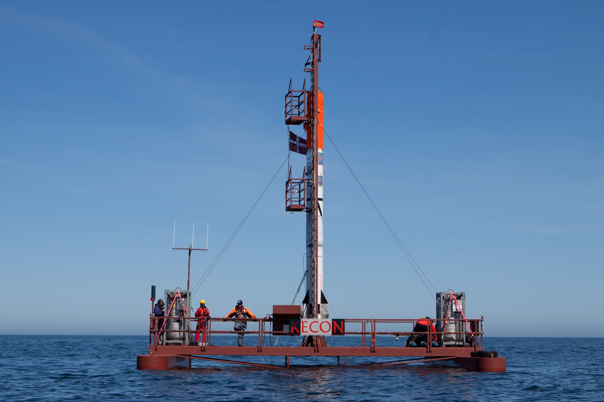 Mobile launch platform Sputnik with HEAT1X and Tycho stacked.