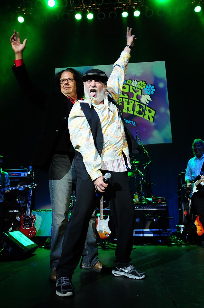 "Mark ""Flo"" Volman and Howard ""Eddie"" Kaylan of the Top 40 rock group The Turtles performing in 2010 during the Happy Together Tour 25th Anniversary."