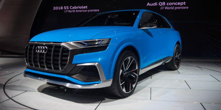 Audi Wows Detroit With The Q A Hybrid Flagship SUV Coming In - Audi car 2017