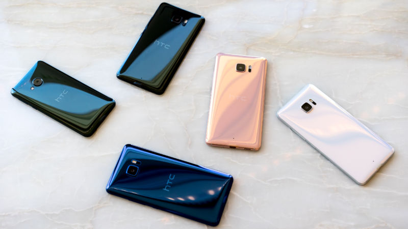HTC shatters expectations with all-glass, AI-infused U Ultra and U Play