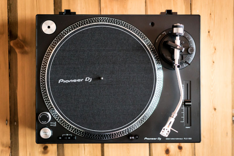 Pioneer PLX-500 review: A turntable for vinyl n00bs and Technics-loving DJs alike