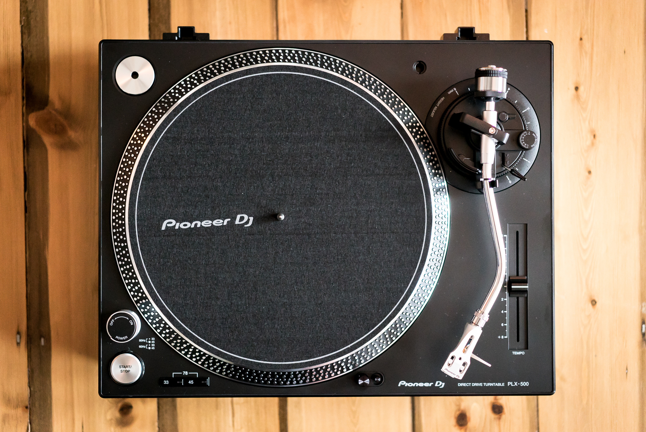 Pioneer PLX-500 review: A turntable for vinyl n00bs and ...