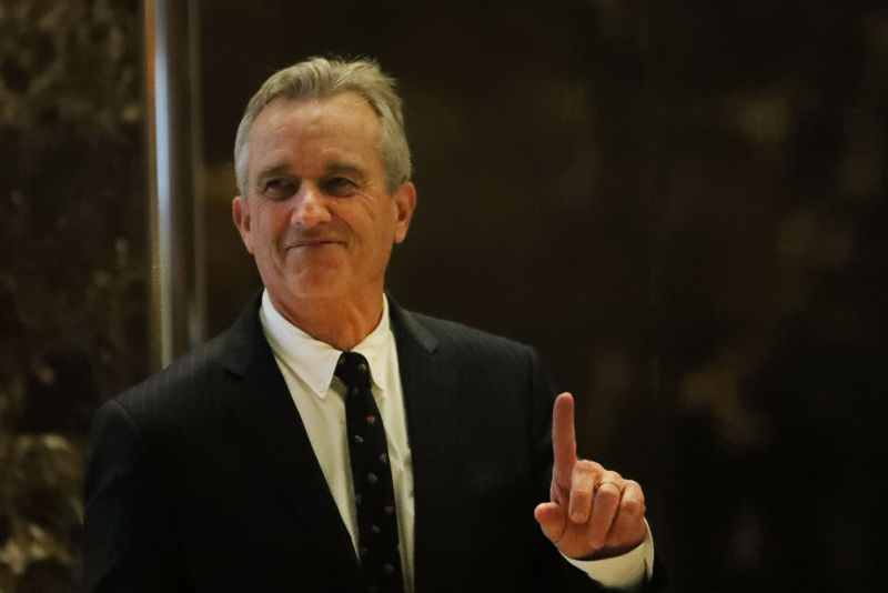 Robert F. Kennedy Jr., heads up to a meeting at Trump Tower on January 10, 2017 in New York City.