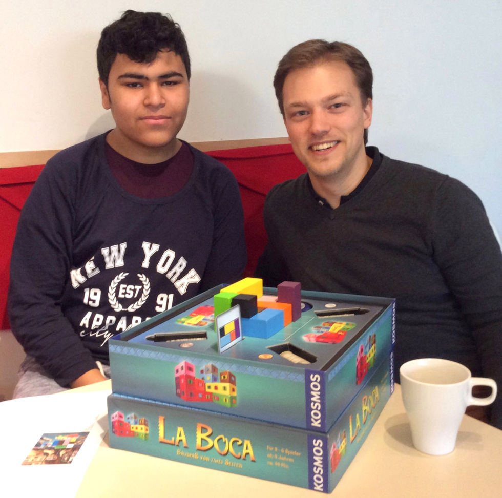 <em>La Boca</em> hits the table.