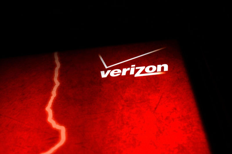 A Verizon logo on a red background.