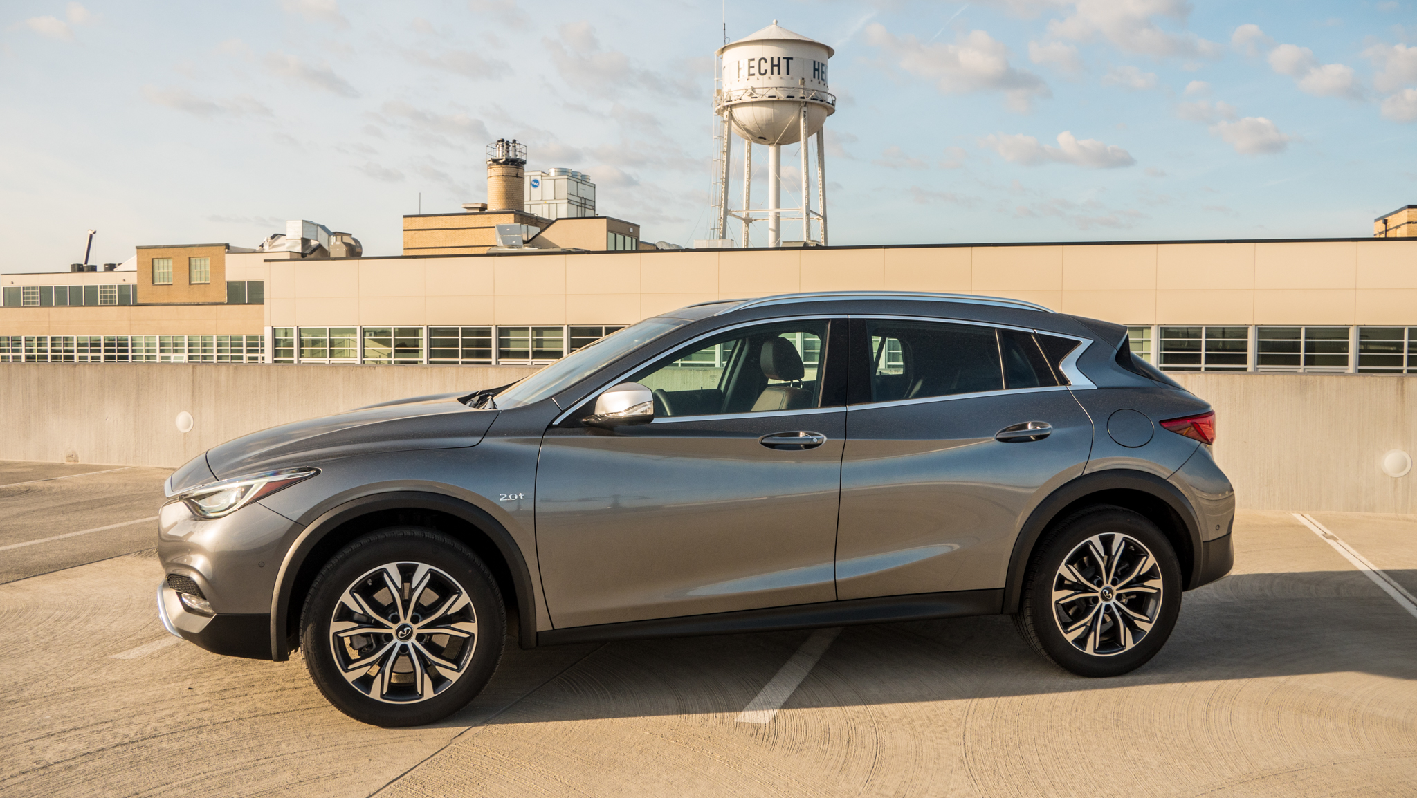 The 2017 Infiniti QX30: A stylish crossover let down by its ...