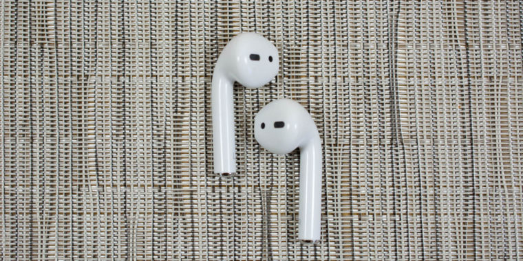 photo image Report: New AirPods, Apple noise-cancelling headphones pegged for 2019