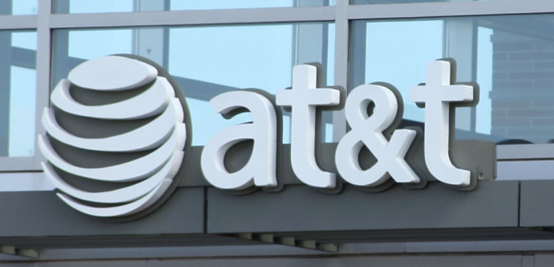 AT&T lowers unlimited data price to $90, adds 10GB of tethering