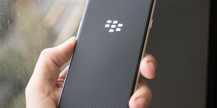 BlackBerry's no-phone business model isn't working out as planned