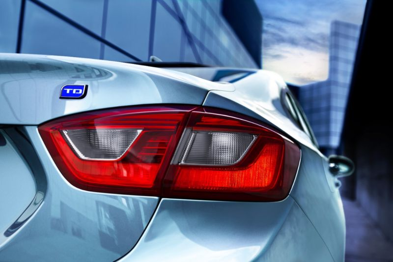 New diesel Chevy Cruze can go an estimated 702 miles on a single tank of fuel