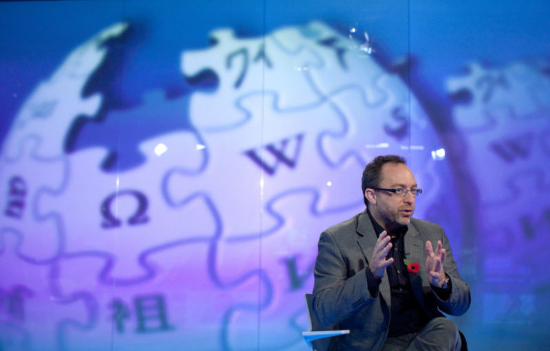 "Wikipedia bans Daily Mail for ""poor fact checking, sensationalism, flat-out fabrication"""