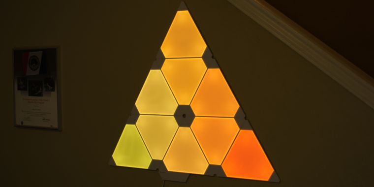 Smart Art The Nanoleaf Aurora Triangular Lighting System Is Really Neat Ar