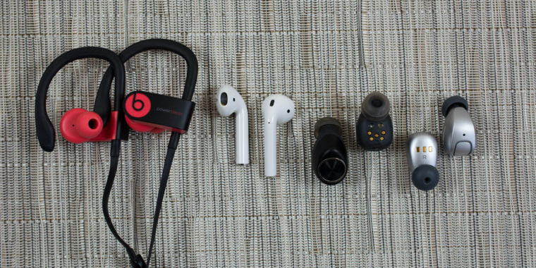 95d92bc73f7 Battle of the buds: How Apple AirPods stack up against other wireless  earbuds | Ars Technica