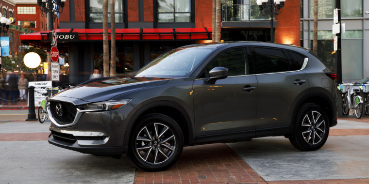 mazda s move upmarket with the 2017 cx 5 ars technica. Black Bedroom Furniture Sets. Home Design Ideas