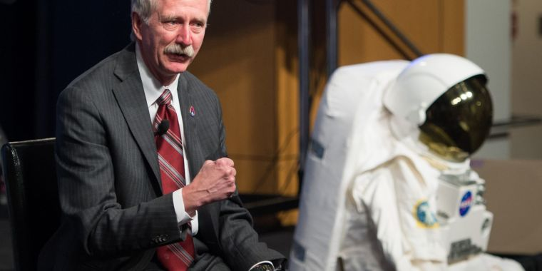 SpaceX has hired a key NASA official to help with human spaceflight