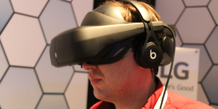 Hands-on with LG's High-res, More Comfortable SteamVR Prototype