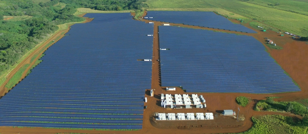 An aerial view of the solar and battery installation on Kauai.