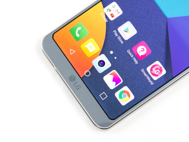 "LG G6 review: LG's ""personal best"" still can't compare to Samsung"