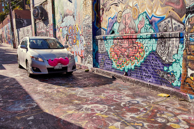 Lyft agrees to pay $27 million to settle driver classification lawsuit