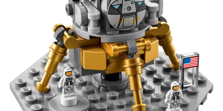 The LEGO has landed: New set allows you to build the Moon rocket