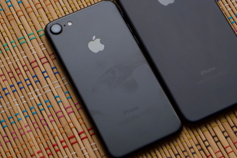 The Jet Black iPhone 7, replete with fingerprints.