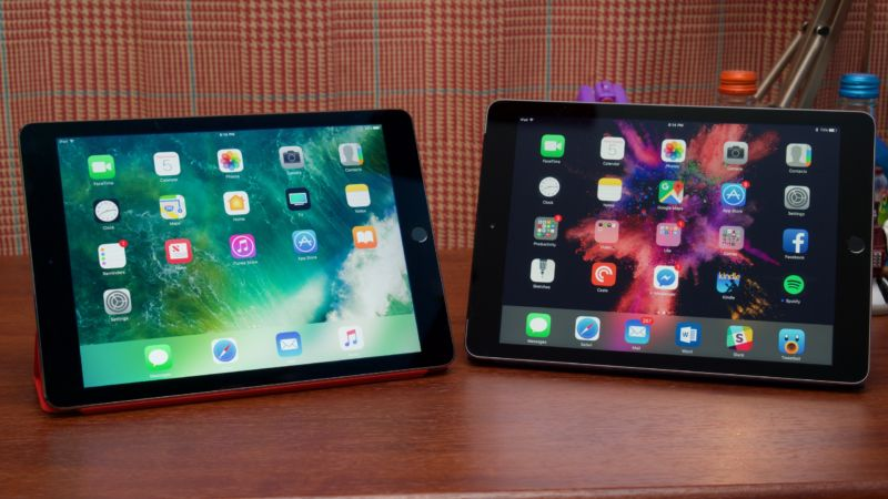 The iPad Air 2 (left) next to the iPad Air (right).