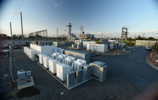 New hybrid plant combines batteries with gas turbine to cut pollution 60%